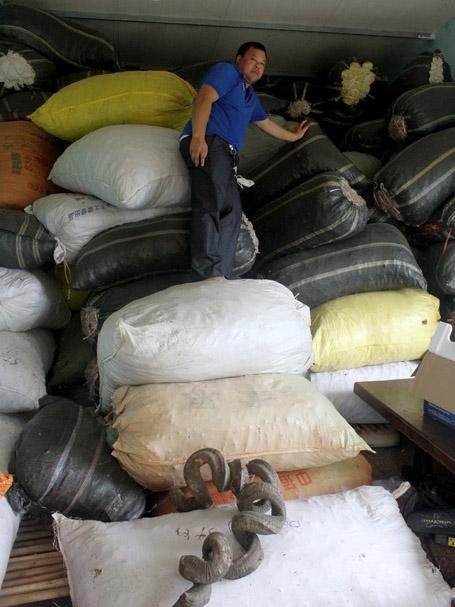 Kho thuốc khổng lồ trên nhà sàn của ông lang Lục Xuân Út
