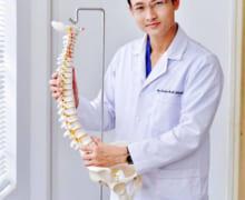10 triệu chứng nguy hiểm của bệnh cột sống